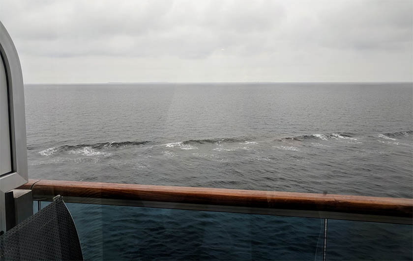 cruise-balcony